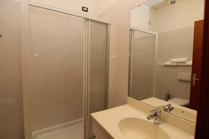 camera-tripla-hotel-filippone-gioia-dei-marsi-4